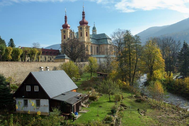 Église dans le Hejnice, République Tchèque image libre de droits