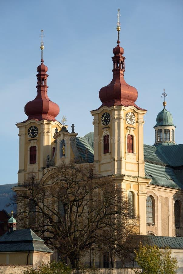Église dans le Hejnice, République Tchèque photographie stock libre de droits