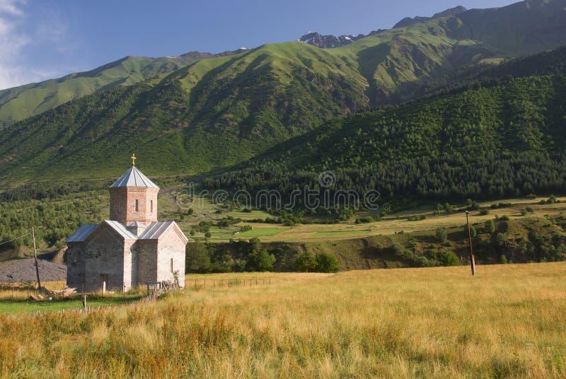 Église dans les montagnes images stock