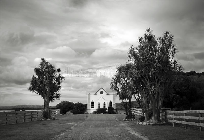 Église dans un paysage photographie stock