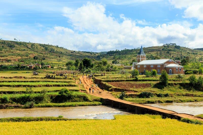 Église dans un petit viallge au Madagascar photographie stock libre de droits