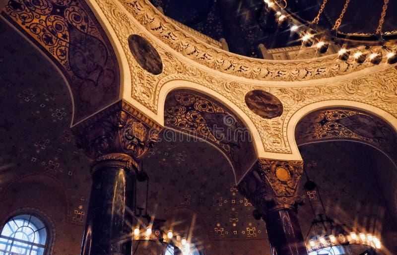 église de bâtiment d'histoire d'architecture de colonnes image stock