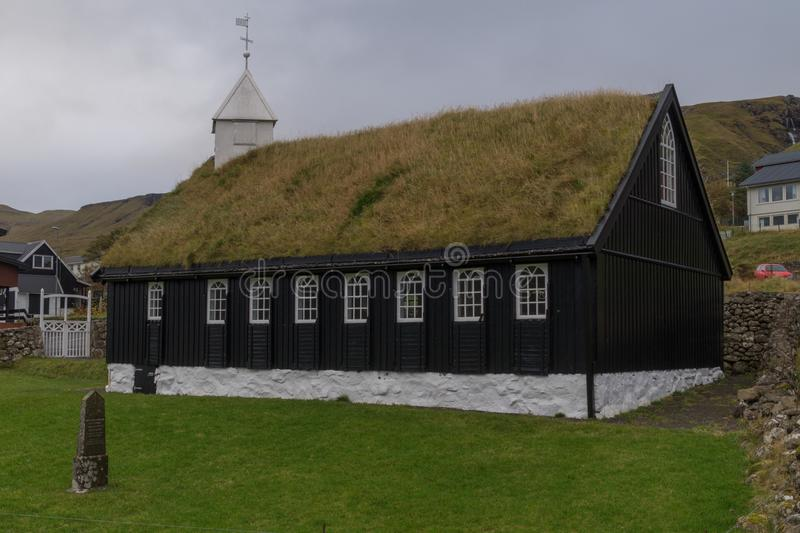 Église de kirkja de Kollafjarðar dans Kollafjørður, les Iles Féroé, Danemark photos libres de droits