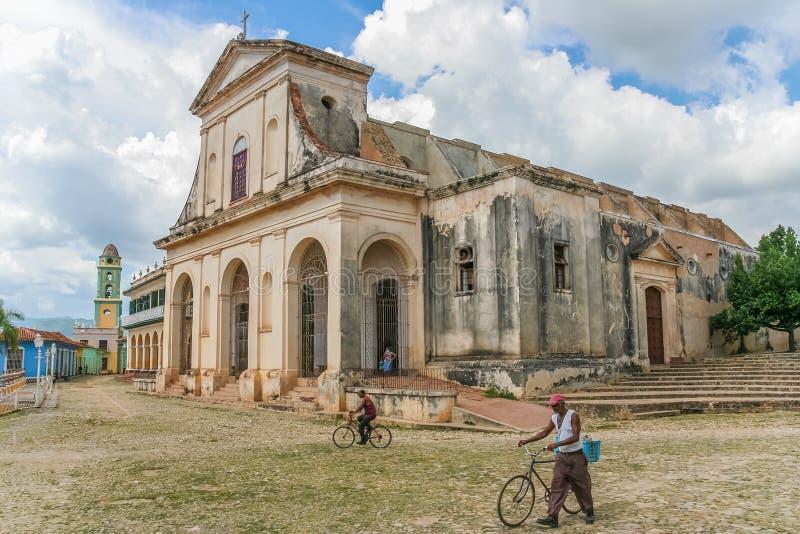 Église de la trinité sainte au centre du Trinidad image stock