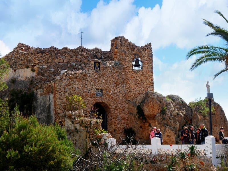 Église de la vierge de la roche à Mijas dans les montagnes au-dessus de Costa del Sol dans SpainDonkey dedans image stock
