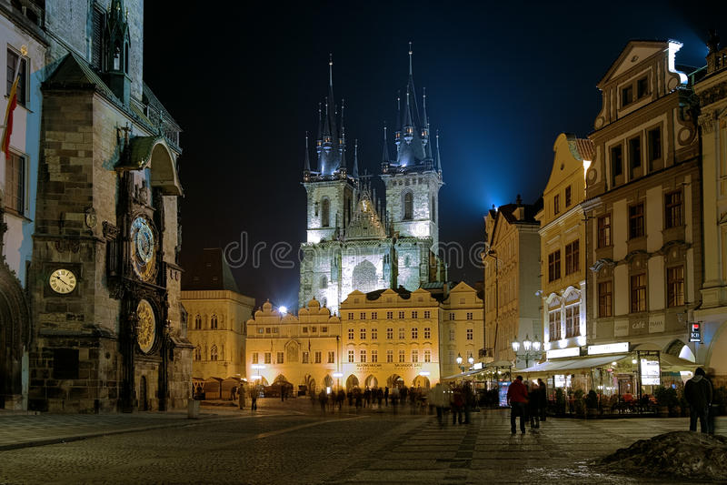 Église de notre Madame avant Tyn en soirée, Prague photo stock