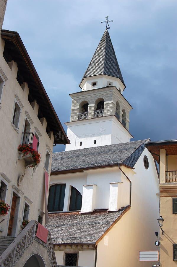 Église de Pieve di Cadore - Vénétie Italie photo stock