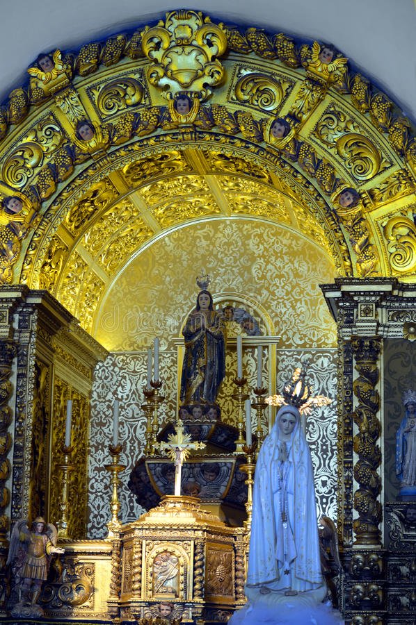 Église de Querenca d'autel d'or de Nossa Senhora DA Assuncao image libre de droits