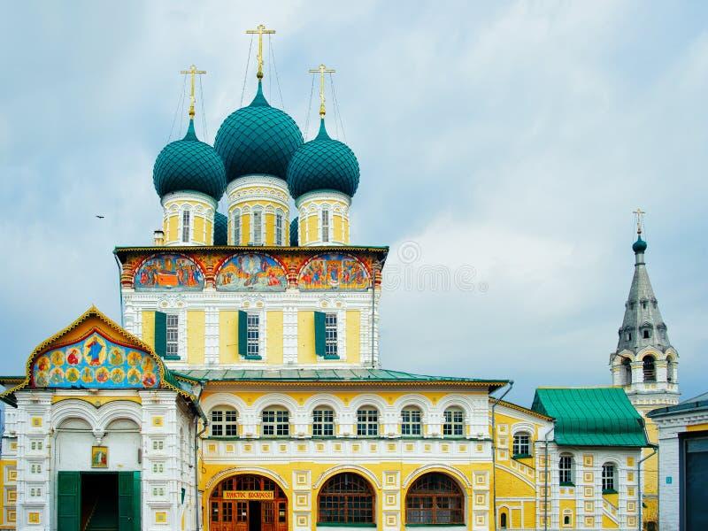 Église de résurrection chez Uglich dans la région de Yaroslavl photographie stock