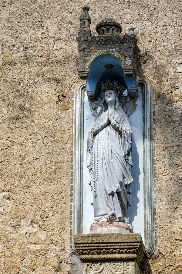Église de Rennes le Chateau, France Vierge d'extérieur de Fatima image stock
