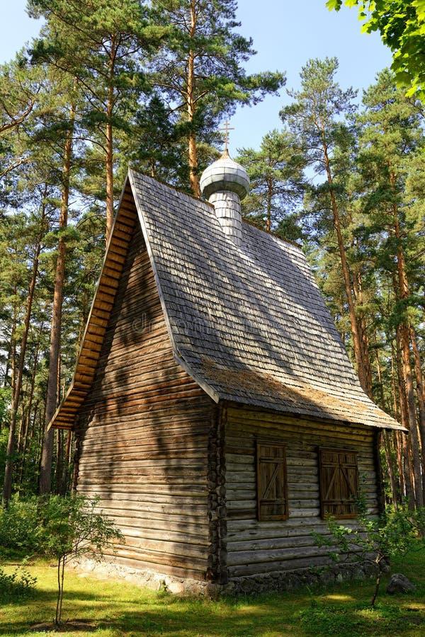 Église de rondin image libre de droits