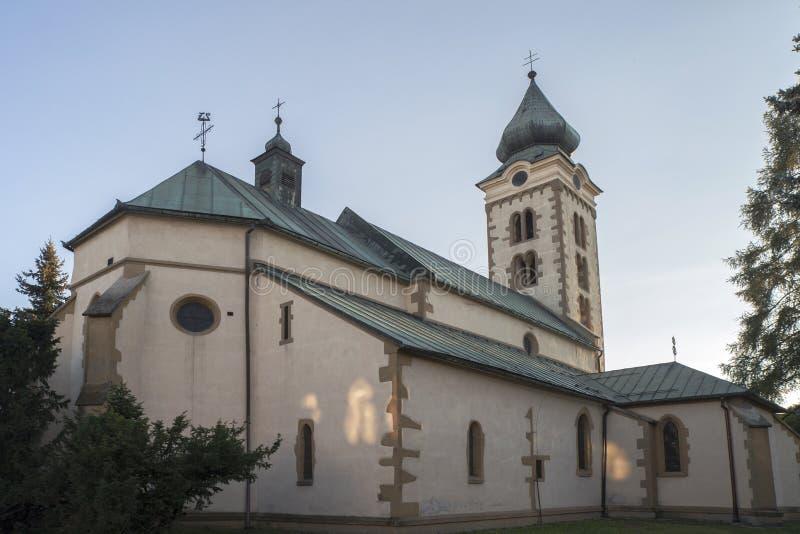 Église de Saint-Nicolas dans Liptovsky Mikulas slovakia photographie stock