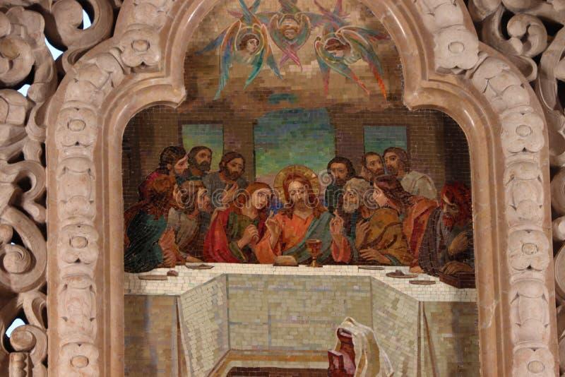 Église de sang dans Sankt Pétersbourg de l'intérieur en vacances en été images stock