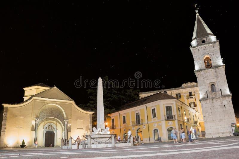 Église de Santa Sofia et de sa tour de cloche dans la nuit d'août photos libres de droits