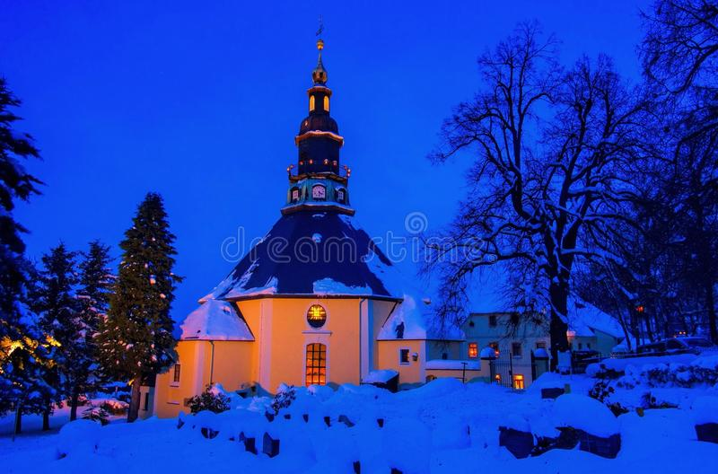 Église de Seiffen en hiver image stock