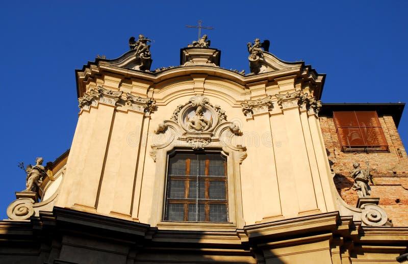 Église de St Filippo Neri ensoleillée et avec le fond du ciel bleu profond au centre de la ville dans Lodi en Lombardie (Italy& images libres de droits