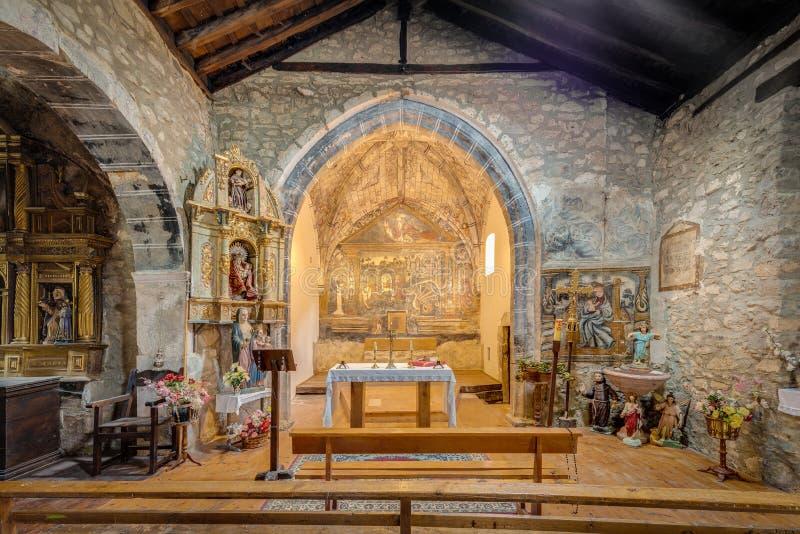Église de St George dans Ledantes près de Santander, Espagne photographie stock