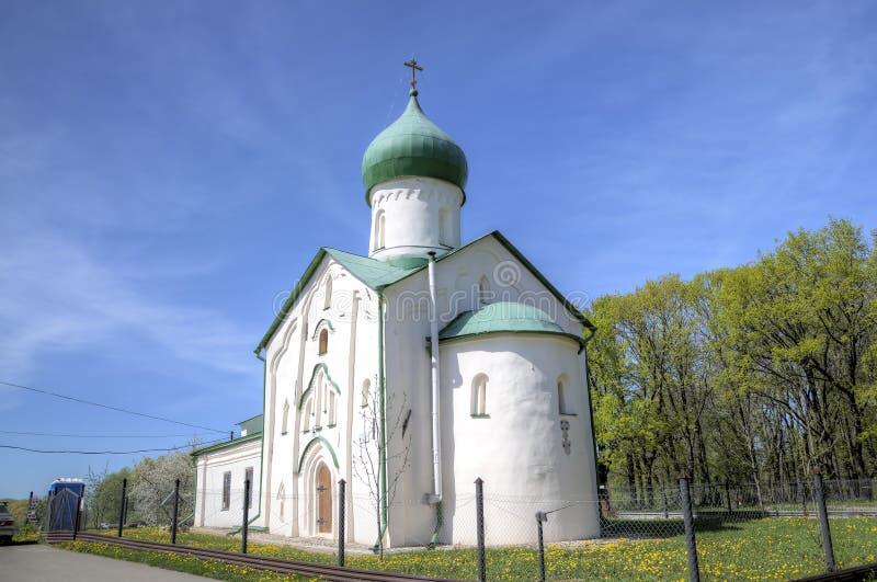 Église de St John l'évangéliste sur la rivière de Vitka photographie stock libre de droits