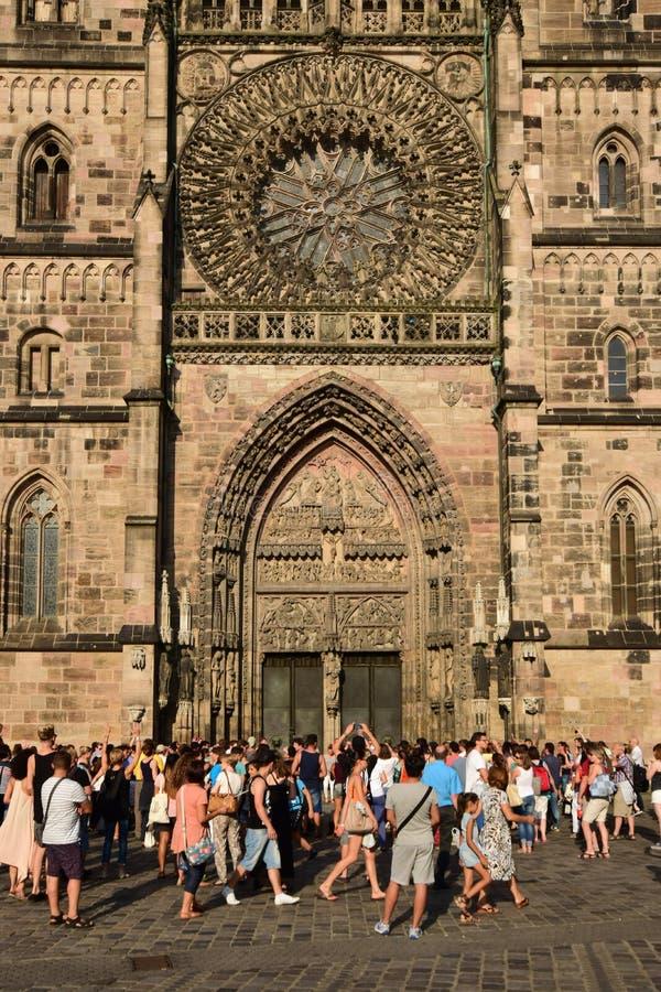 Église de St Lawrence (LORENZKIRCHE) à Nuremberg, Allemagne image libre de droits