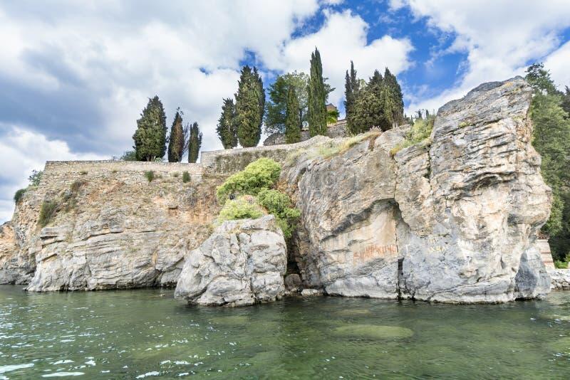 Église de StJovan Kaneo sur la roche au lac Ohrid, Macédoine images libres de droits