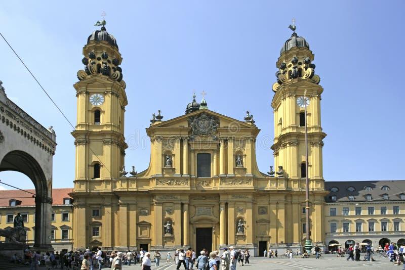Église de Theatiner chez l'Odeonsplatz à Munich, Bavière photographie stock