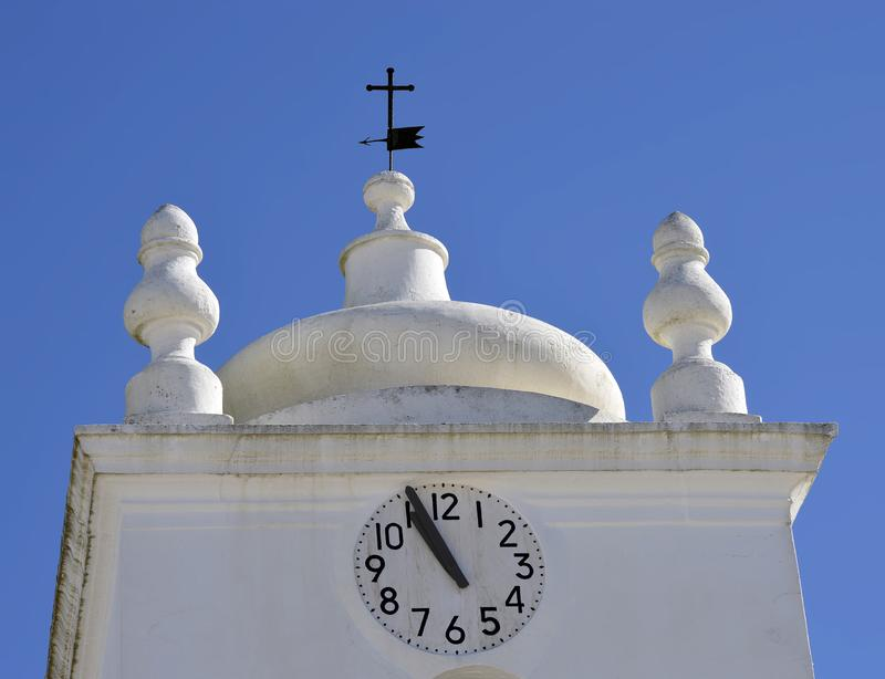 Église de tour d'horloge de Nossa Senhora DA Assuncao photos libres de droits