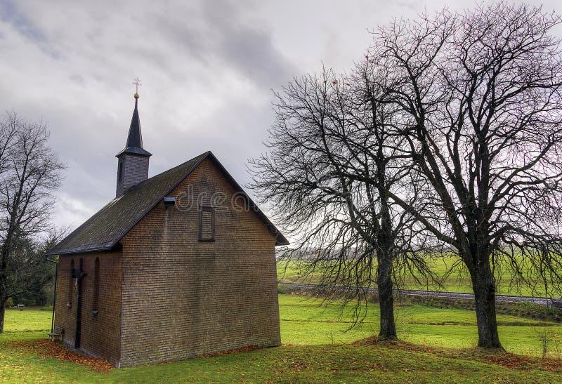 Église de village image stock