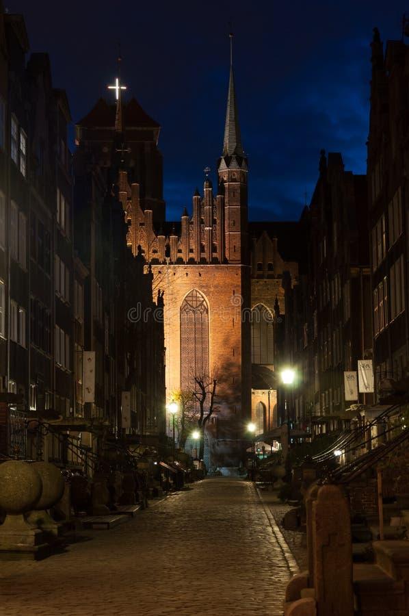 Église du ` s de St Mary, Danzig la nuit photographie stock