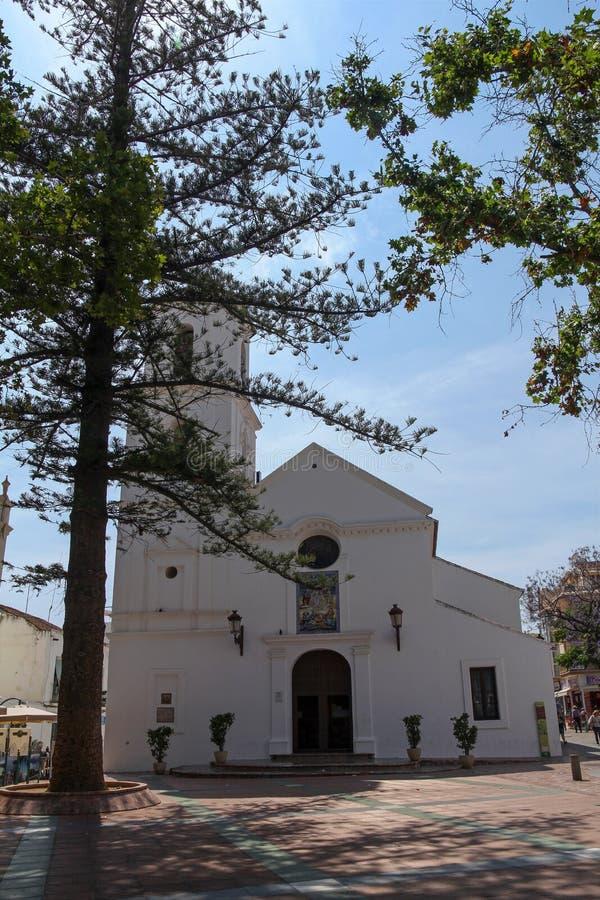 Église du Salvador sur Plaza Balcon de Europa, Nerja, Espagne photos stock