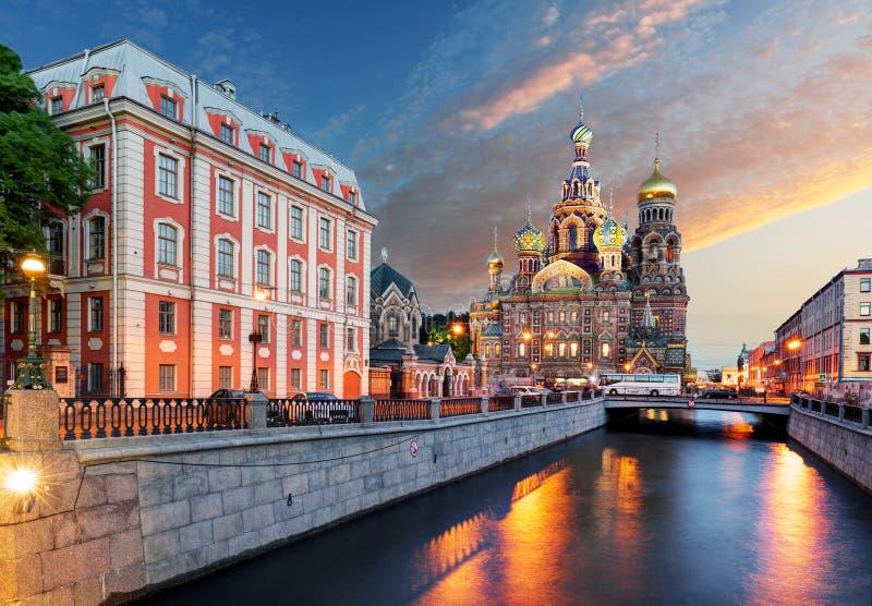Église du sauveur de résurrection sur le sang renversé St Petersburg, Russie image stock