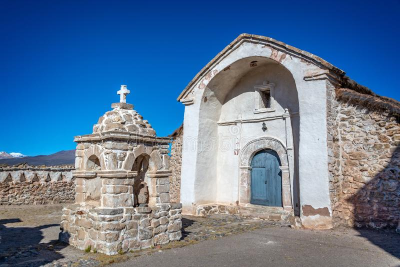 Église du village de Parinacota au Chili Amérique du Sud photos stock