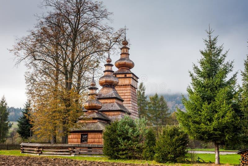 Église en bois dans Kwiaton, Pologne photo libre de droits