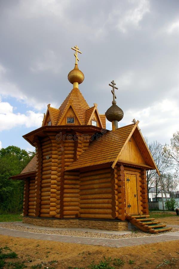 Église en bois russe neuve images stock