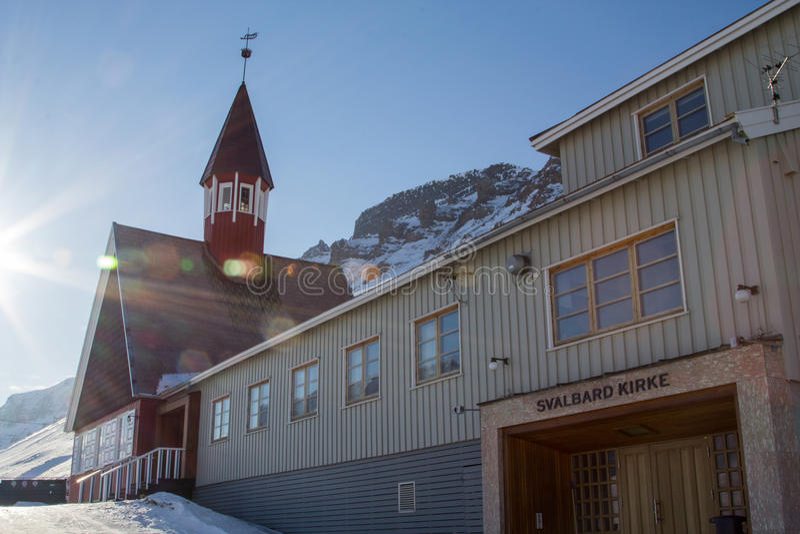 Église en hiver dans Longyearbyen, le Spitzberg (le Svalbard) norway photos libres de droits