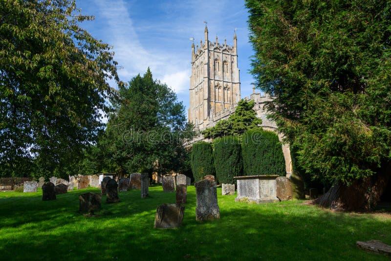 Église et cimetière en ébréchant Campden image libre de droits