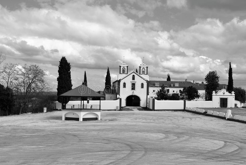 Église et couvent de Capuchos en noir et blanc images libres de droits