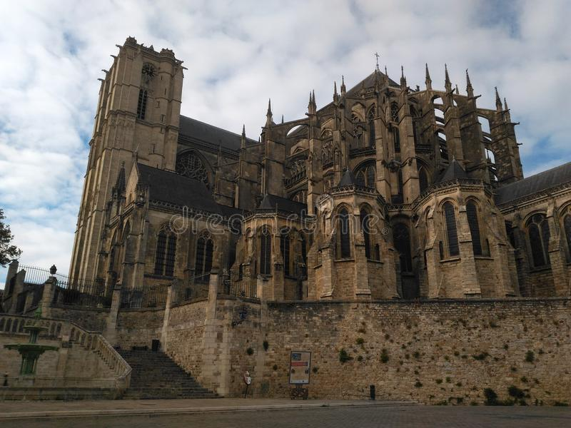 Église gothique du 15ème siècle de Le Mans photo libre de droits