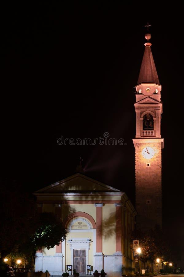 Download Église la nuit photo stock. Image du europe, lumières - 45357818