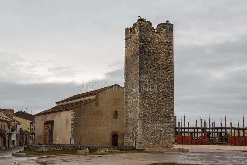 Église médiévale au centre de Cuellar photographie stock