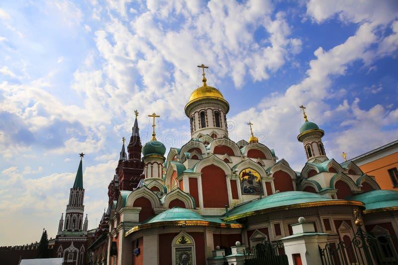 Église orthodoxe russe sur la place rouge à Moscou images stock