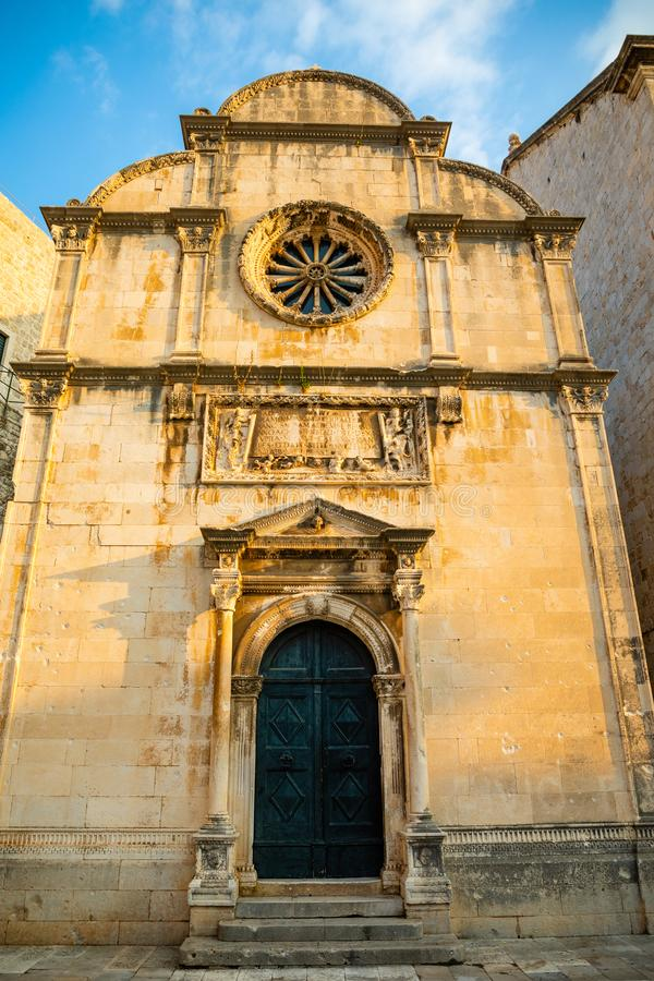 Église ou Crkva SV de sauveur de St Spasa - une petite église votive de la Renaissance située dans la vieille ville de Dubrovnik, photo libre de droits