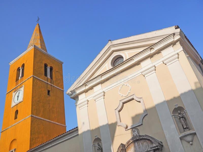 Église paroissiale de St Georg dans la vieille ville de Lovran, Croatie photo libre de droits