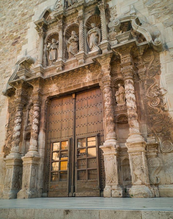 Église paroissiale Moia de St Mary de façade d'entrée principale images stock