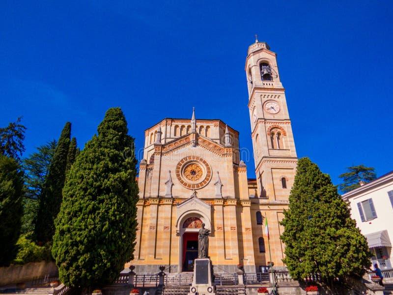 Église San Lorenzo, Tremezzo, lac de Côme, Italie photos stock