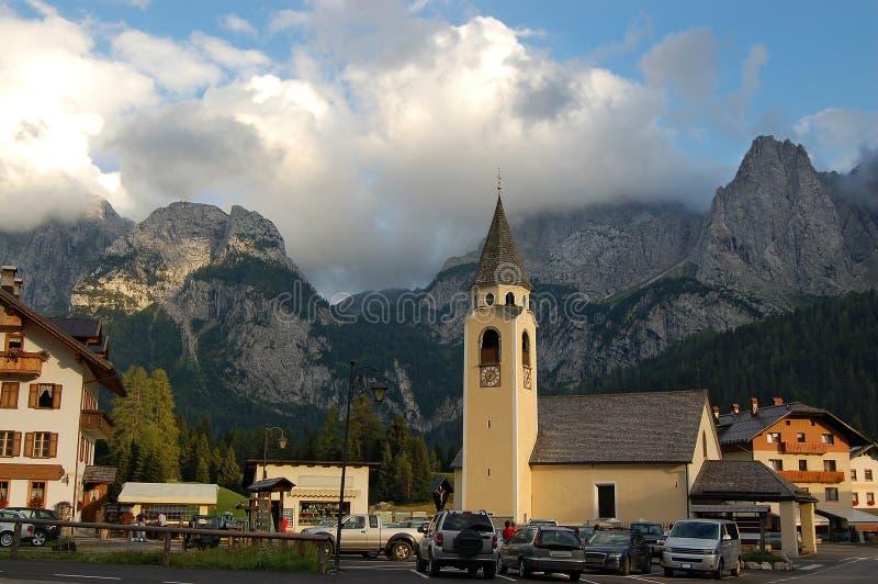 Église Sappada - à Bellune Italie photographie stock libre de droits