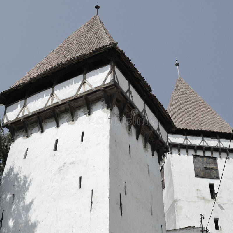 Église saxonne médiévale dans Agnita, la Transylvanie photographie stock