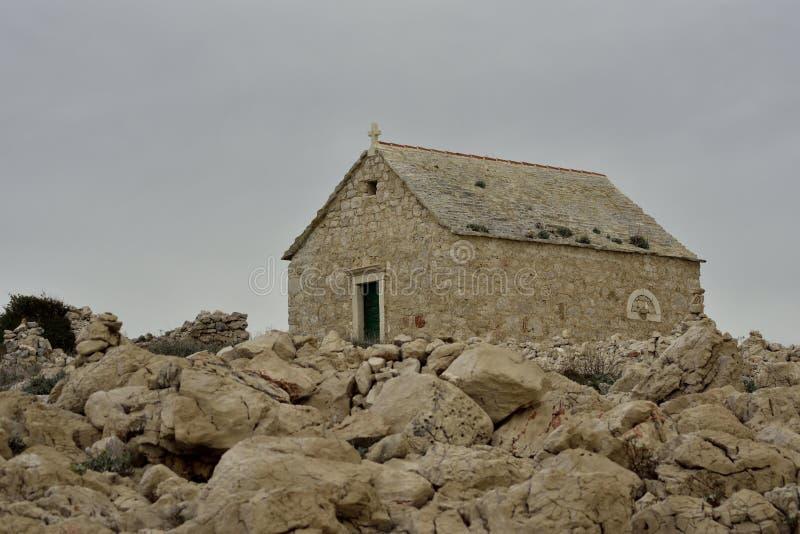 ÉGLISE St John de Trogir sur le cap PLANKA photographie stock libre de droits