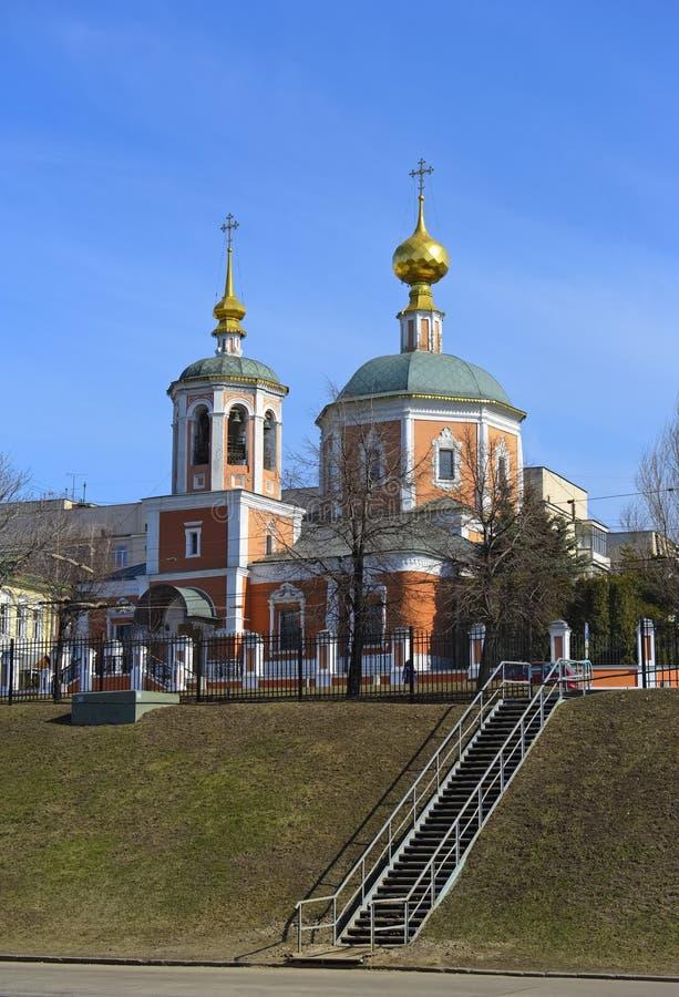 Église Trinity sainte dans le Troitskaya Sloboda photo stock