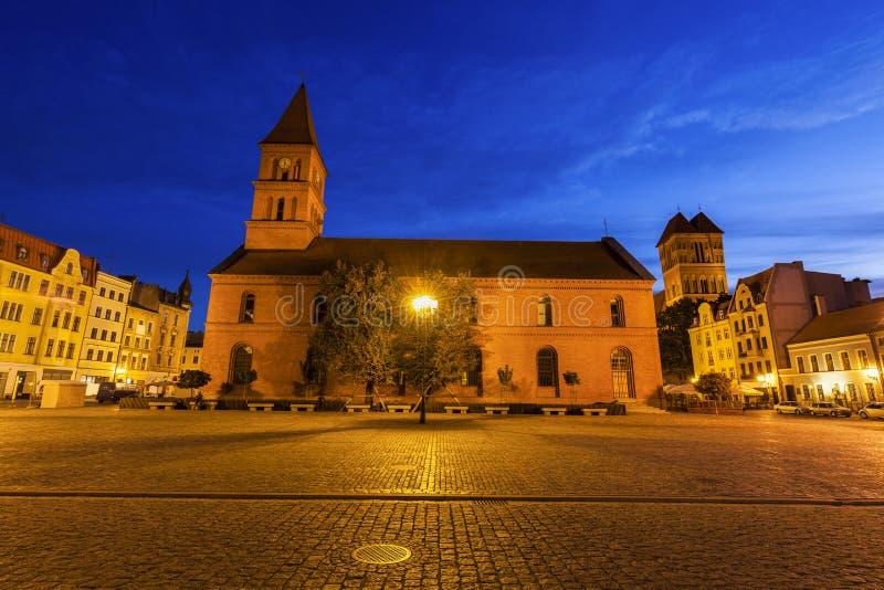 Église Trinity sainte sur la place de marché image libre de droits