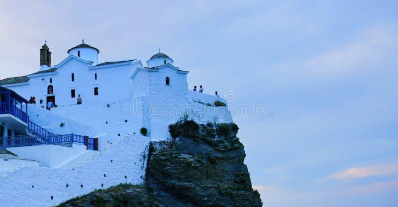 Églises blanches de Skopelos, Grèce image libre de droits